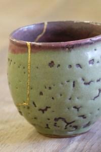 kintsugi-japon-laque-urushi-atelier-nombre-or-doreur-feuille-bois-bruno-toupry-restaurateur-designer-oeuvre-art-paris-dorure-kintsugi-restauration-poudre-or-laque-naturelle-urushi