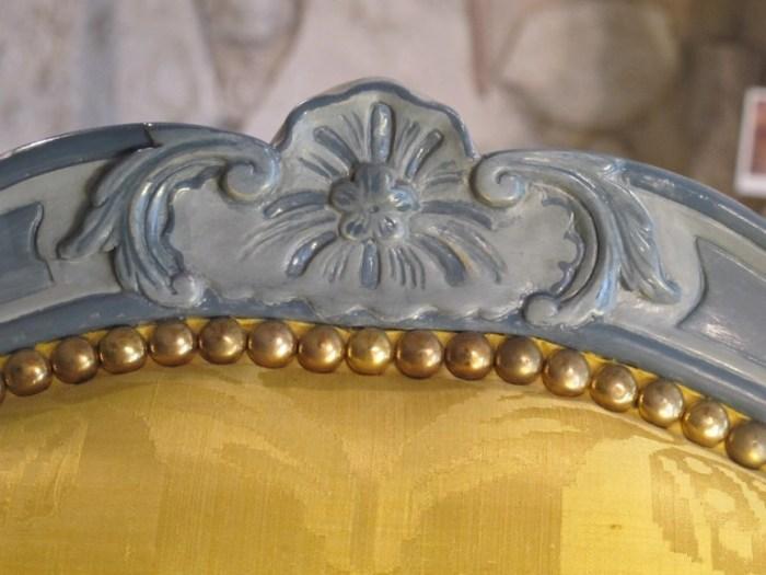 atelier-nombre-or-doreur-feuille-bois-bruno-toupry-restaurateur-designer-oeuvre-art-paris-dorure-sculpture-ebenisterie-mobilier-fauteuil-laque-detail