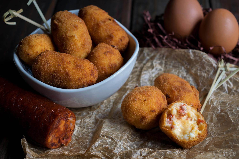 Croquetas de huevos fritos con chorizo