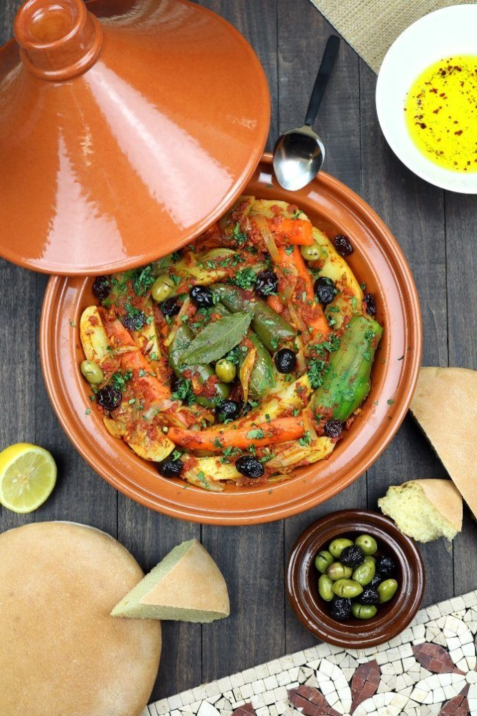 How To Remove Curry Stains >> The Best Clay Pots for Cooking Indian Cuisine - NomList
