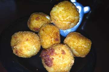 Mac n Cheese Chicken Nuggets from BlackFinn