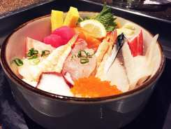 Sushi Sashimi Bowl $30 @ Cho Oishi Los Angeles California
