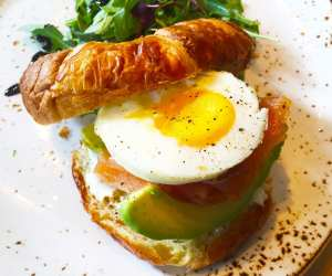 Smoked Salmon Croissant Brunch (Tartina al Samone) @ Lupo Verde on U Street in Washington DC