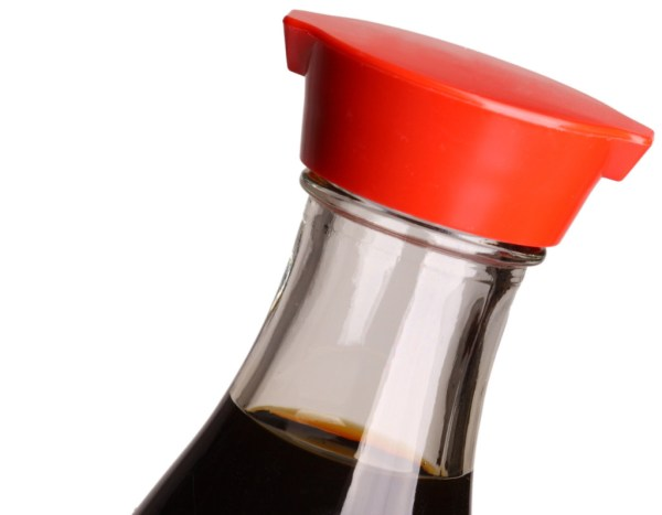 soy sauce bottle spout designed to prevent dripping