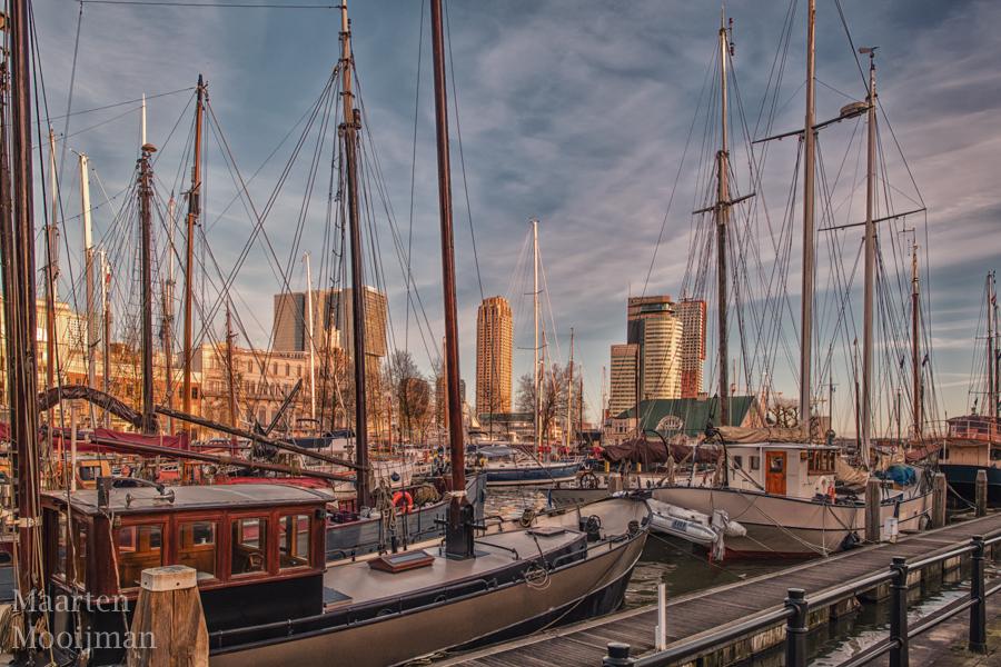 Veerhaven met boten in Rotterdam