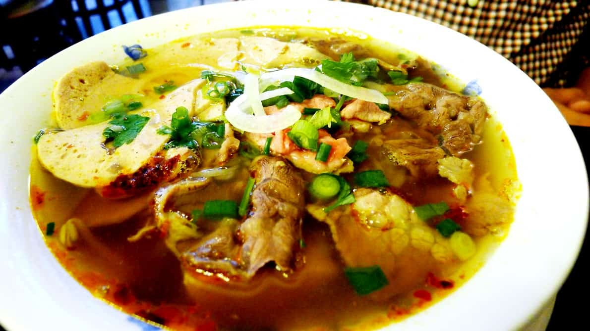 Joyeaux Cafe Vancouver, Downtown | Spicy Beef Noodles Bun Bo Hue