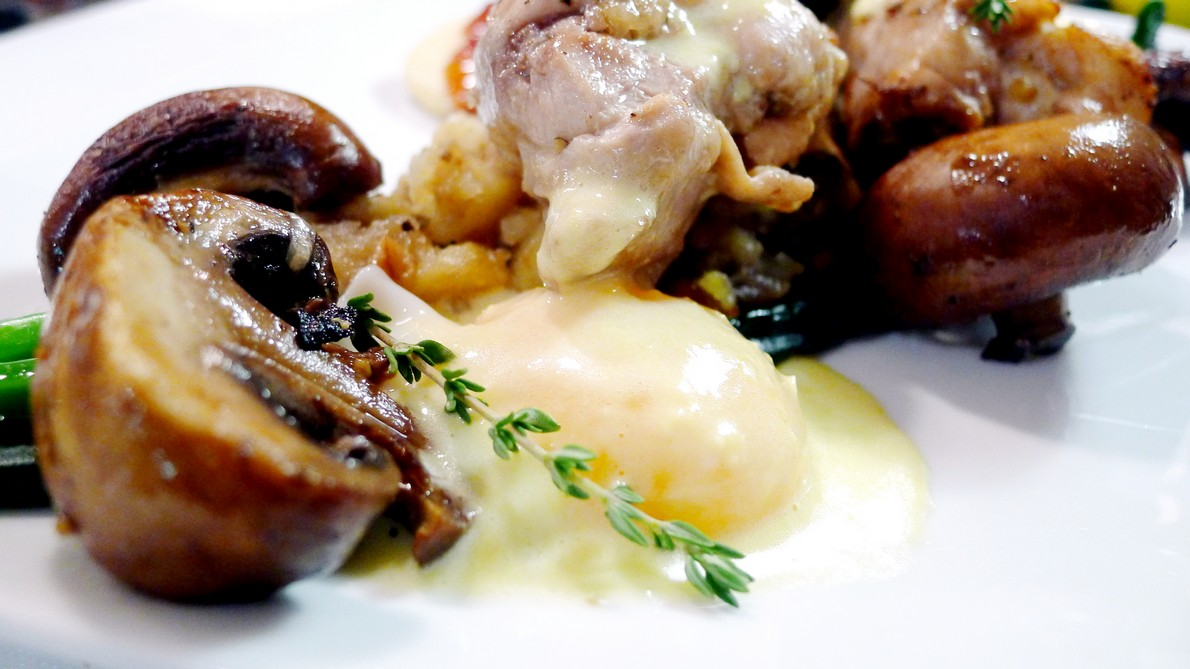 The Farmers Apprentice Chefs Box FoodiePages Vancouver instanomss nomss Pot Roasted Chicken, Porcini Mushrooms + Poached Eggs
