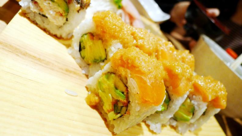 Sushi Mania Japanese Restaurant Main Street Vancouver instanomss nomss
