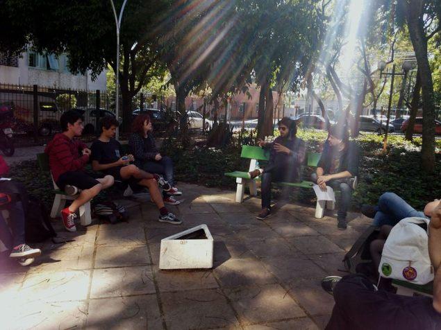 o músico Ian Ramil participou d euma roda de conversa com os alunos de Comunicação da UFRGS