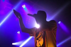 Criolo apresentou músicas dos últimos álbuns e dos tempos de Grajaú (foto: Ita Pritsch/Nonada)