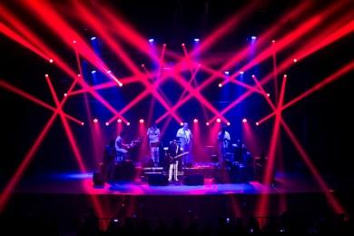 Jorge cantou acompanhado da Banda do Zé Pretinho (Foto: Rafael Casagrande/Nonada)