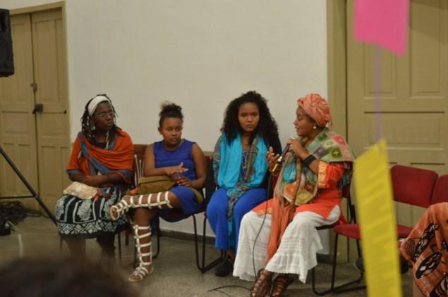 Roda de conversa sobre feminismo negro (Foto: Thays Cruz/Nonada)