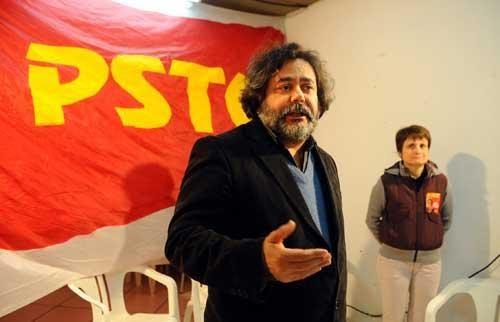 Julio Flores, pelo PSTU, disputa o cargo de prefeito em Porto Alegre