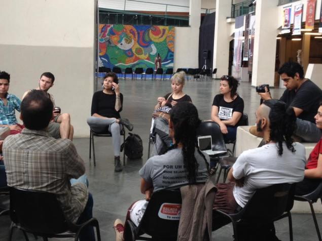 Roda de conversa aborda as condições das políticas públicas na Usina (Foto: Dossiê Palcos Públicos)