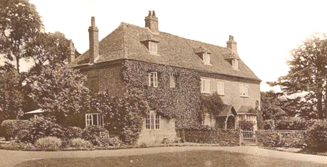 Holt Street Farmhouse in the 1930's when it was rented to Army officers from the Dover garrison