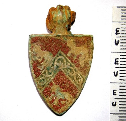 BF2-BWN pendant found 15.1.12 Beauchamps