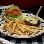 cheeseburger-521240_1280-PD