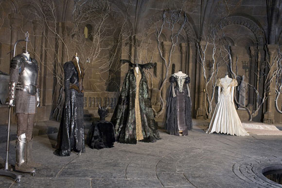 Snow White The Huntsman Review Images And Diego Dalla