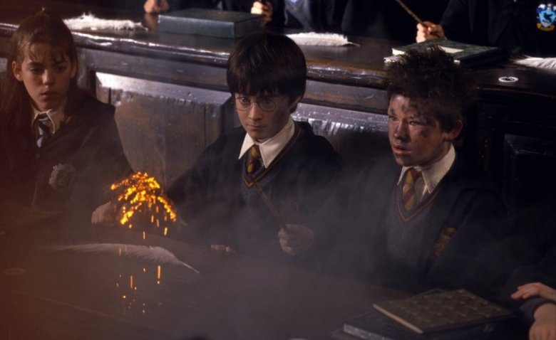 Harry Potter e la pietra filosofale citazioni e dialoghi di Chris Columbus con Daniel Radcliffe, Rupert Grint, Emma Watson, magia
