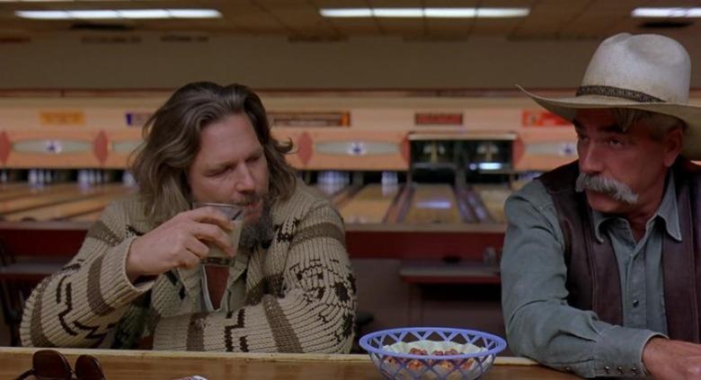 Il grande Lebowski citazioni e dialoghi di Joel Coen con Jeff Bridges, John Goodman, Julianne Moore, Steve Buscemi, Drugo con lo straniero
