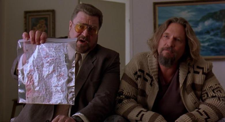 Il grande Lebowski frasi, citazioni e dialoghi di Joel Coen con Jeff Bridges, John Goodman, Julianne Moore, Steve Buscemi, compiti Larry