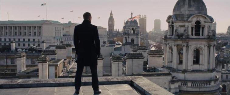 Skyfall frasi e citazioni, Sam Mendes, Daniel Craig, Judi Dench, Javier Bardem, Ralph Fiennes, Naomie Harris, Bérénice Marlohe, Albert Finney
