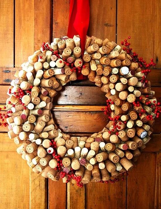 Come decorare casa per il Natale con i tappi di sughero
