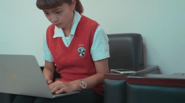 中正一分局長陳明志女兒曾參與交大的交通安全宣導影片拍攝。圖:翻攝影片
