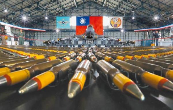狂增300億  國防部首度承認追加2次預算  朝野齊批「鳳展專案無底洞」