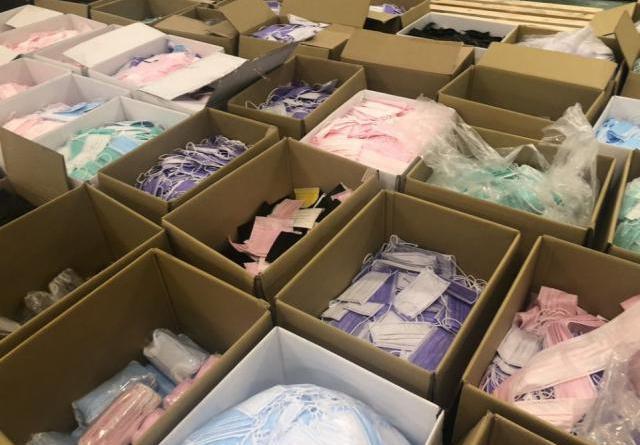 口罩國家隊「台灣精碳」4月被查獲在自家合法廠房私下製售醫療口罩後,另設地下工廠重操舊業,再被查獲,初估流入市面逾400萬片不法口罩。(中央社/台南地檢署提供)