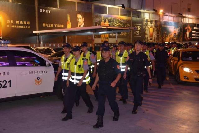 警政署統計今年1月至10月中旬,各縣、市警局槍擊案發生數,台南市仍以17件居首,而原本至7月居次的高雄市,這次以14件居第三,跳升的是新北市16件,凸顯台南市槍擊案件仍居高不下。(資料照)