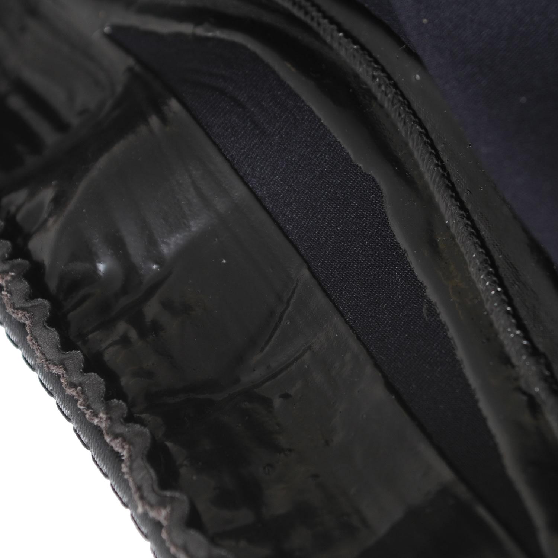 Super sticky grippy Latex underside