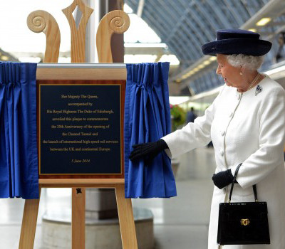 Beautiful Display Easels And Plaque Unveiling Stands