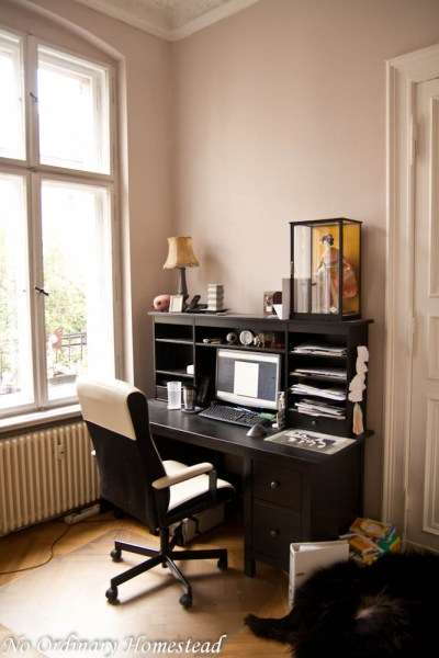 space saving home office idea Inspiring Space-Saving Home Office Ideas - No Ordinary Homestead