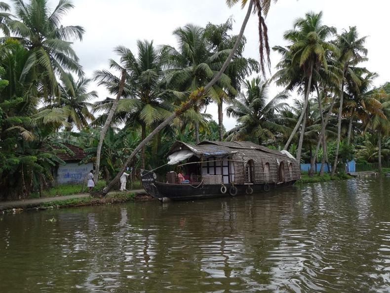 boathouse-kerala-noprobleminindia.com