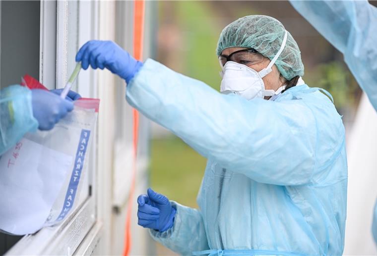 Liveticker zum Coronavirus: Ausgangssperre in Frankreich