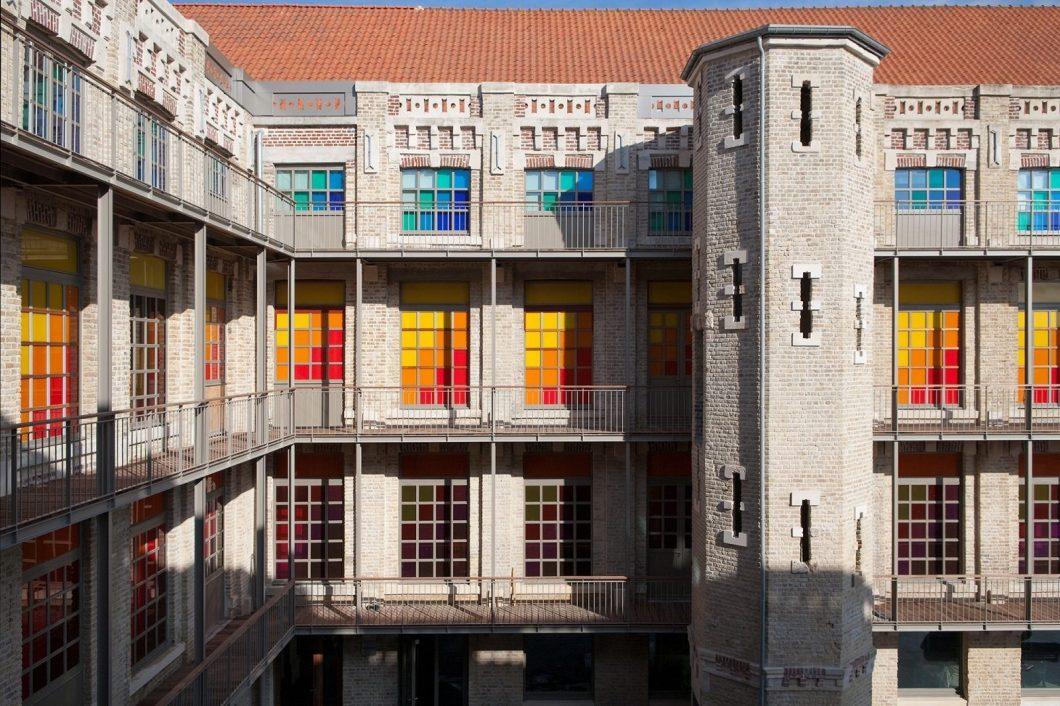 Mode trifft Industriekultur im Museum der Spitze von Calais