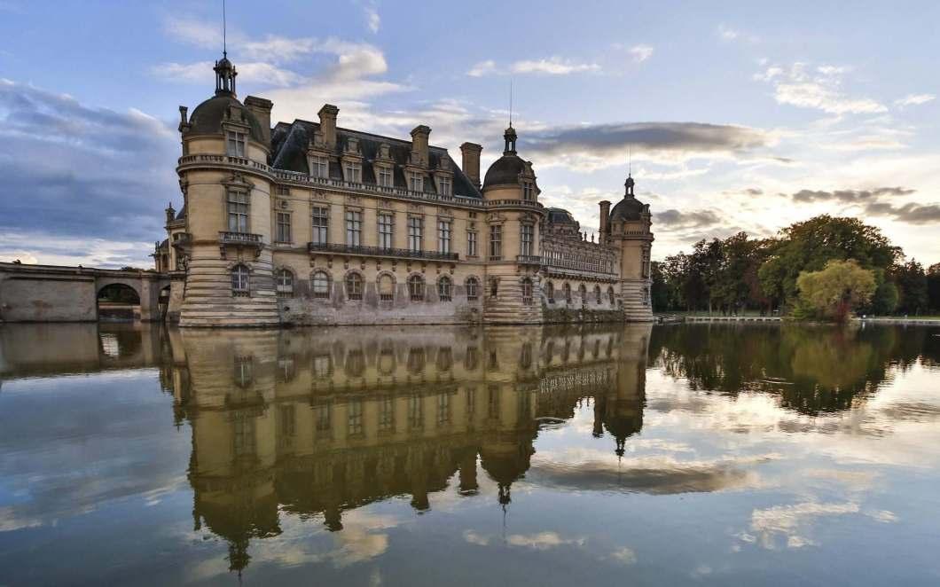 Schloss Chantilly: Gärten, Kunst & packende Pferde-Show