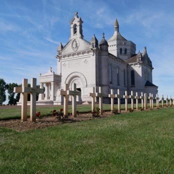 Basilika Notre Dame de Lorette mit Nekropolis bei Lens