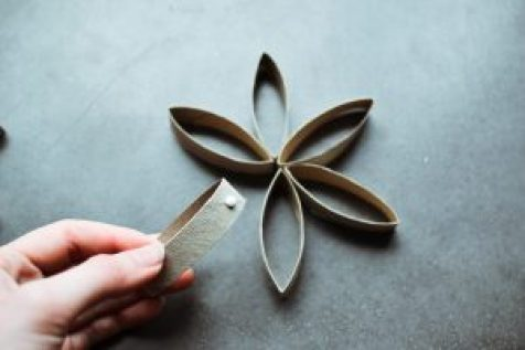 DIY christmas star decoration zero waste ornament from toilet paper rolls step 4