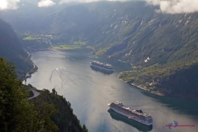 Kreuzfahrtschiffe vor Geiranger
