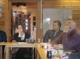 I tillegg unge Jon Christer og Per Erik Mudenia fra Tana har jeg fått med her også Elle Inga Vars fra Sirma men nå bosatt i Tromsø. Klokka er nå nærmere 14:40 når dette bildet er tatt denne lørdagen i Stabbursnes i Porsanger. Foto: Valerius Hildonen-Nilsen.