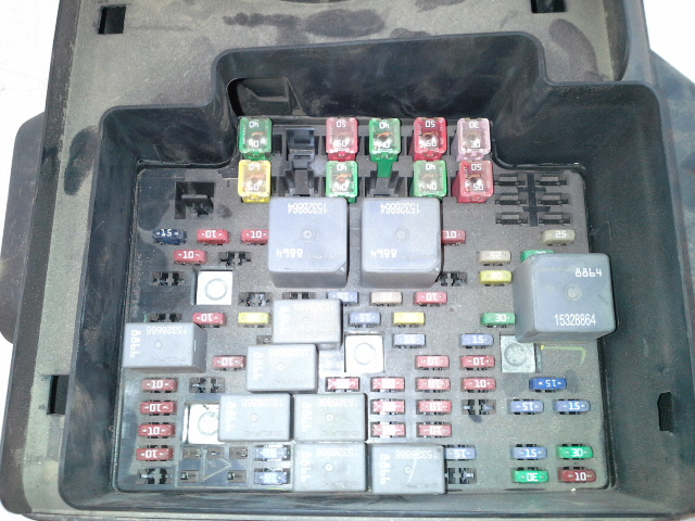 Chevy Silverado Fuse Box Diagram Additionally 2001 Chevy Silverado