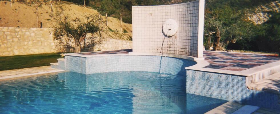 Realizzazione e vendita piscine a Perugia in Umbria
