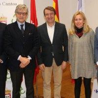 Carrefour firma un acuerdo de colaboración con el Ayuntamiento