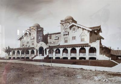 The Heritage Plaza building duplicates the original Jerome Northside Inn built in 1910 and torn down in 1968.