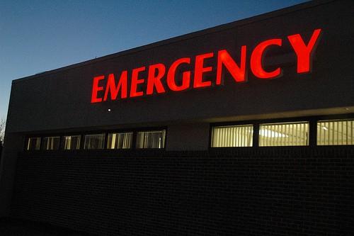 neon emergency room sign