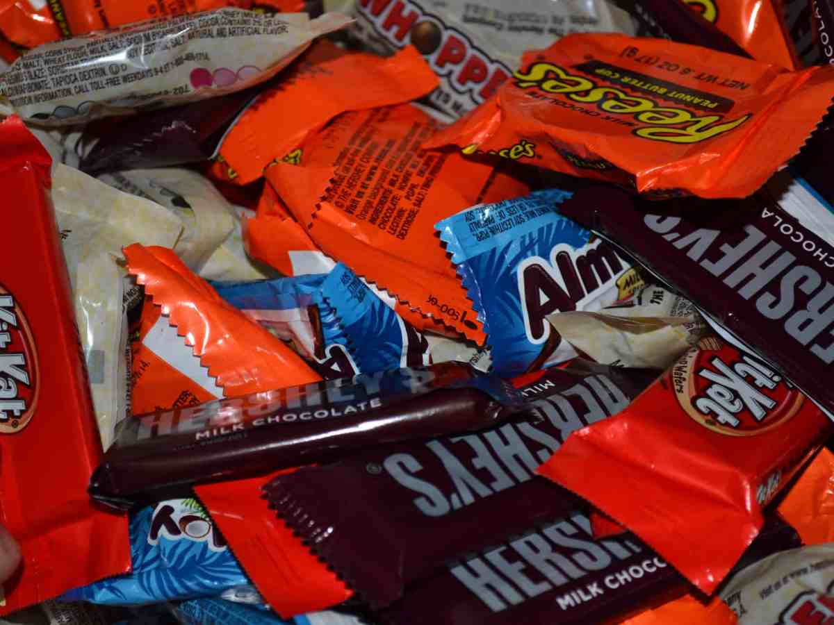 shows brand named halloween candy in a pile