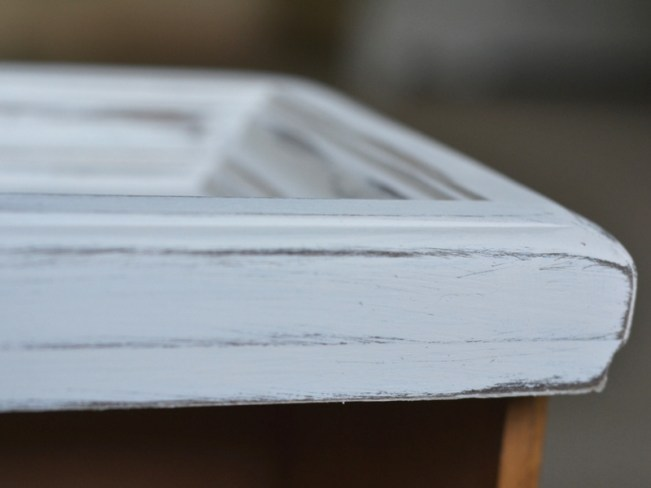how to distress furniture with rustoleum chalk paint on nightstand