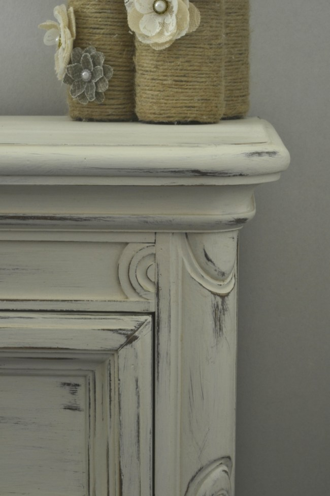 distressed night stand using sand paper and rustoleum white chalk paint